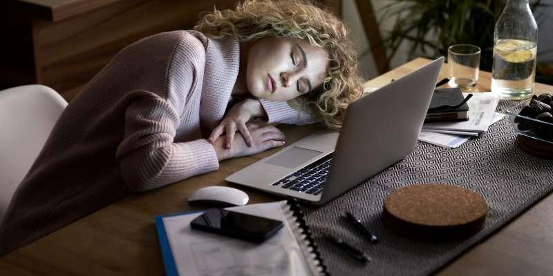 ZOOM Yorgunluğu ile Mücadele Etmek İçin 9 İpucu